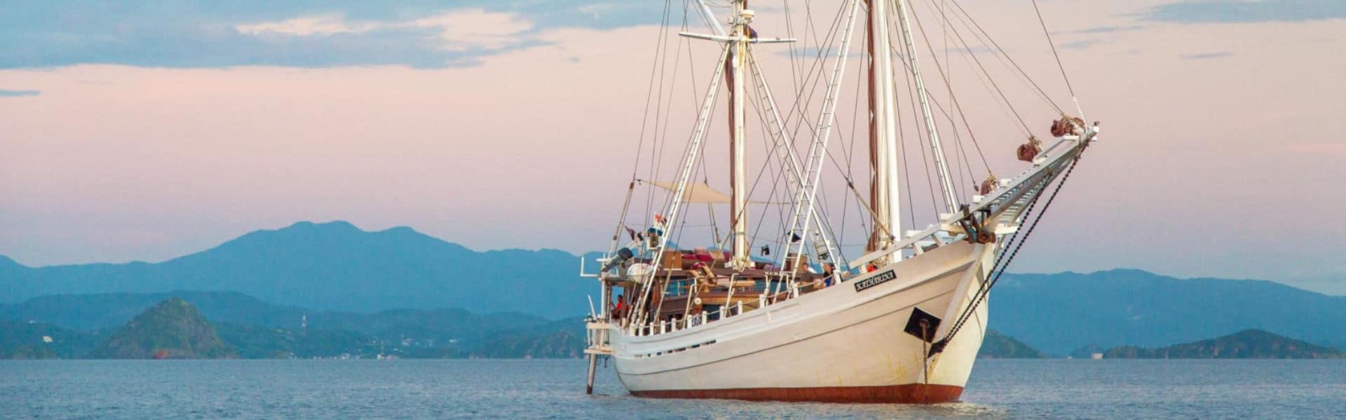 Borneo Komodo Cruise